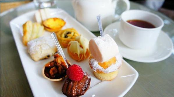喜欢吃西式糕点,但是胃口不大,所以英式下午茶图片